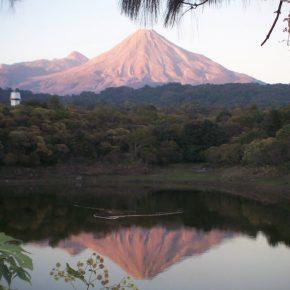 Pronunciar tu nombre en el volcán